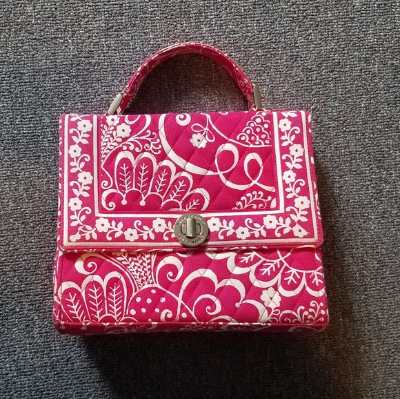 01020f238e23 Vera Bradley Pink Julia Twirly Bird Shoulder Bag. M 5b60e8f2aaa5b8cd587e01cc